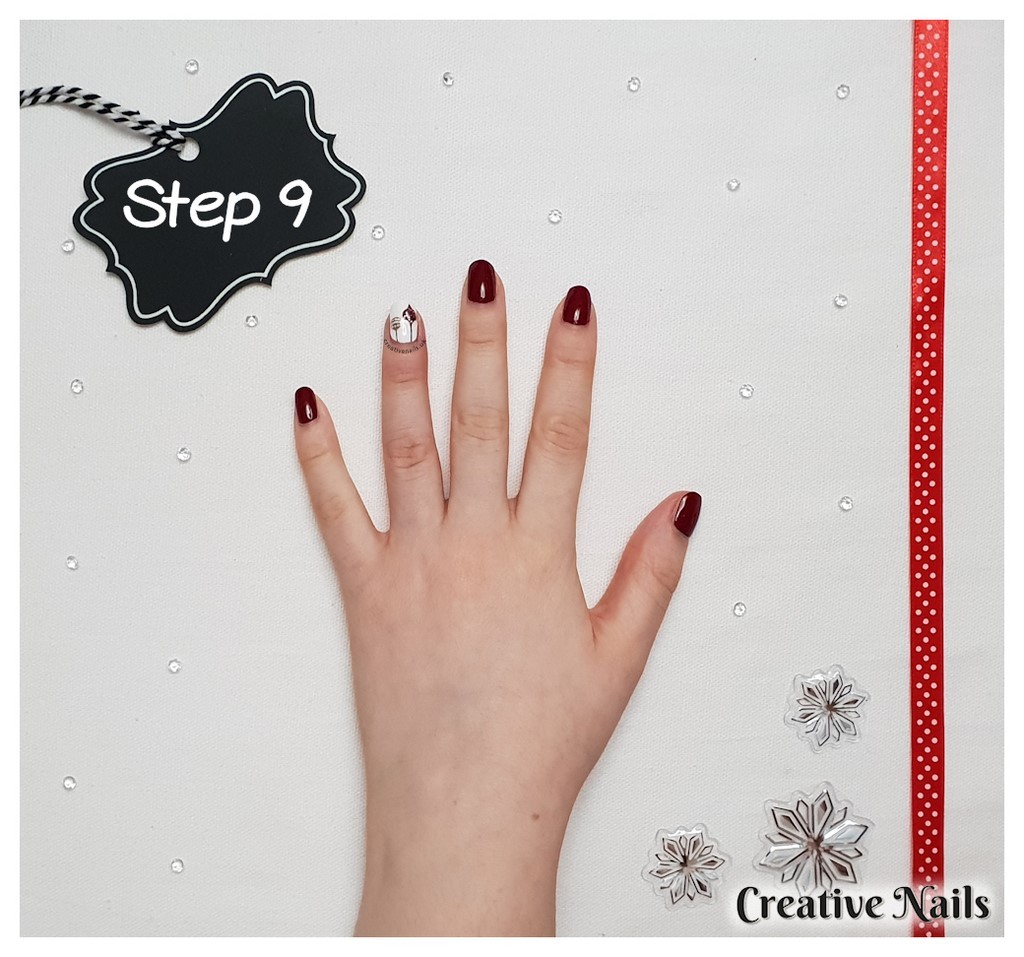 bauble nail art